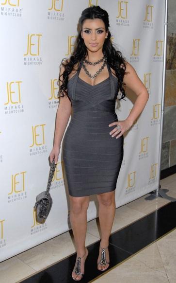 kim-kardashian-27-bday-jets-1027-7.jpg